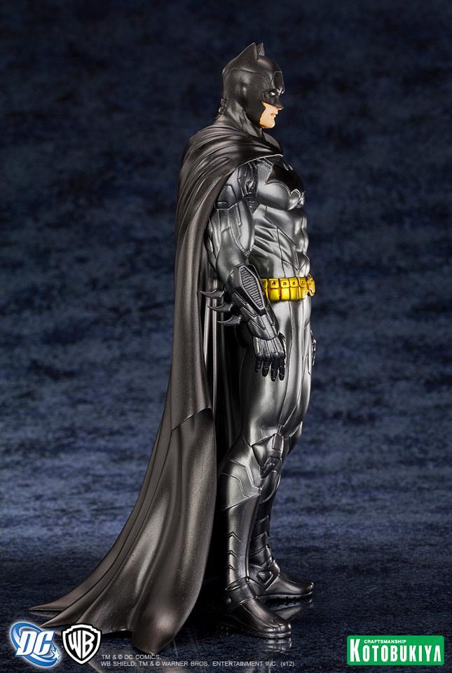 http://www.raccoongames.es/img/productos/dc-comics-estatua-artfx-1-10-batman-new-52/batman7_1352500172.jpg