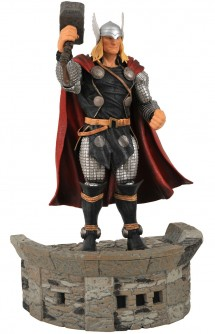 Diamond Select Toys Marvel Select: Thor Action Figure 7""