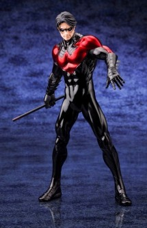 "DC Comics Estatua ARTFX+ ""Nightwing"" NEW 52"
