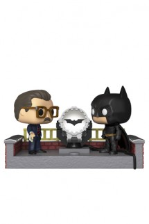 Pop! Movie Moment: Batman 80th w/ Light Up Bat Signal
