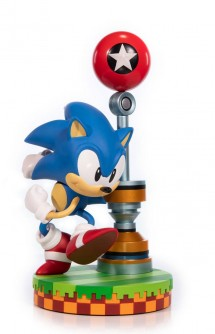 Sonic the Hedgehog Sonic Statue