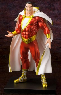 DC Comics Estatua ARTFX+ Shazam NEW 52